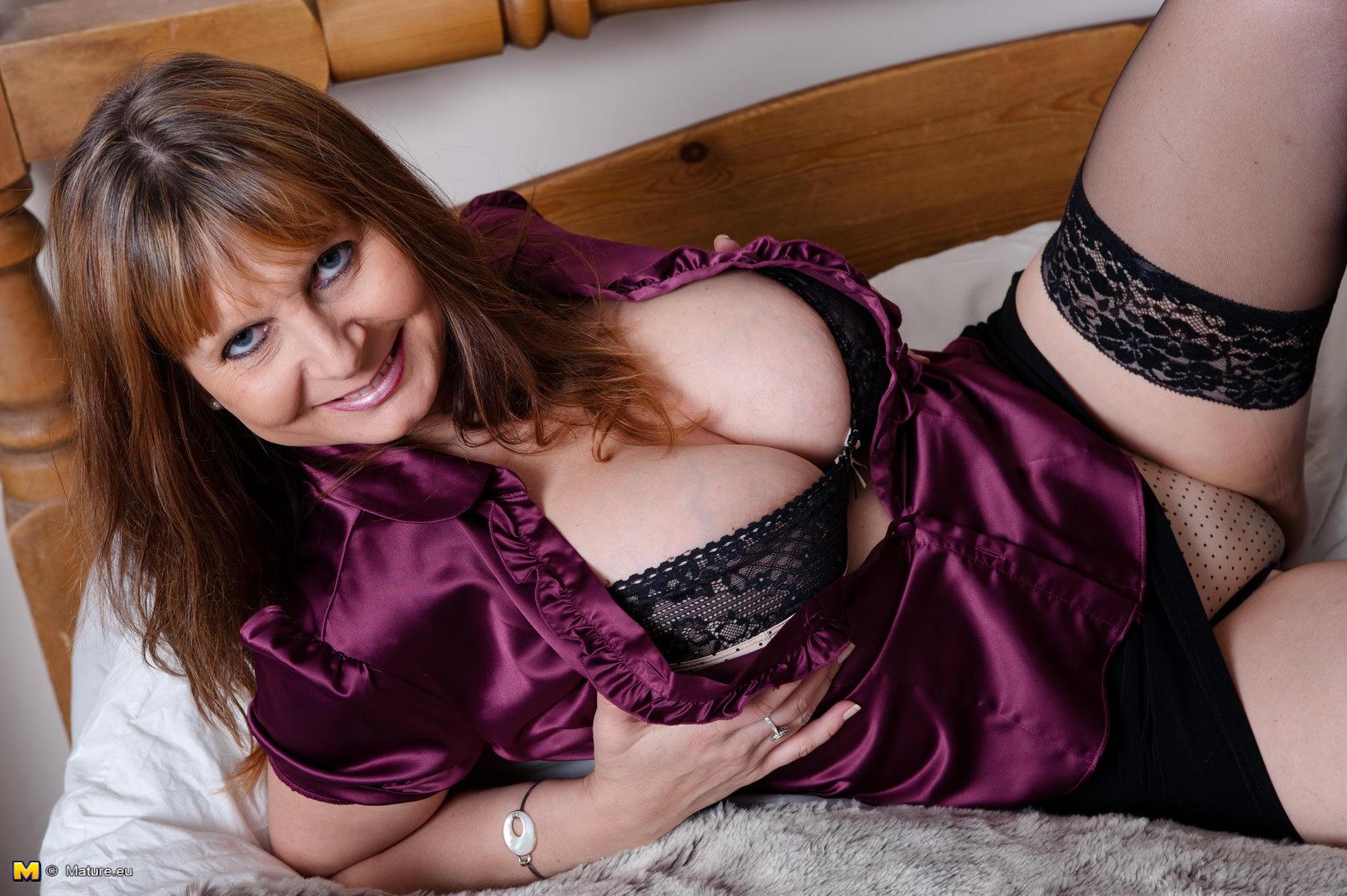 big tit mature xxx - Mature lady with big boobs