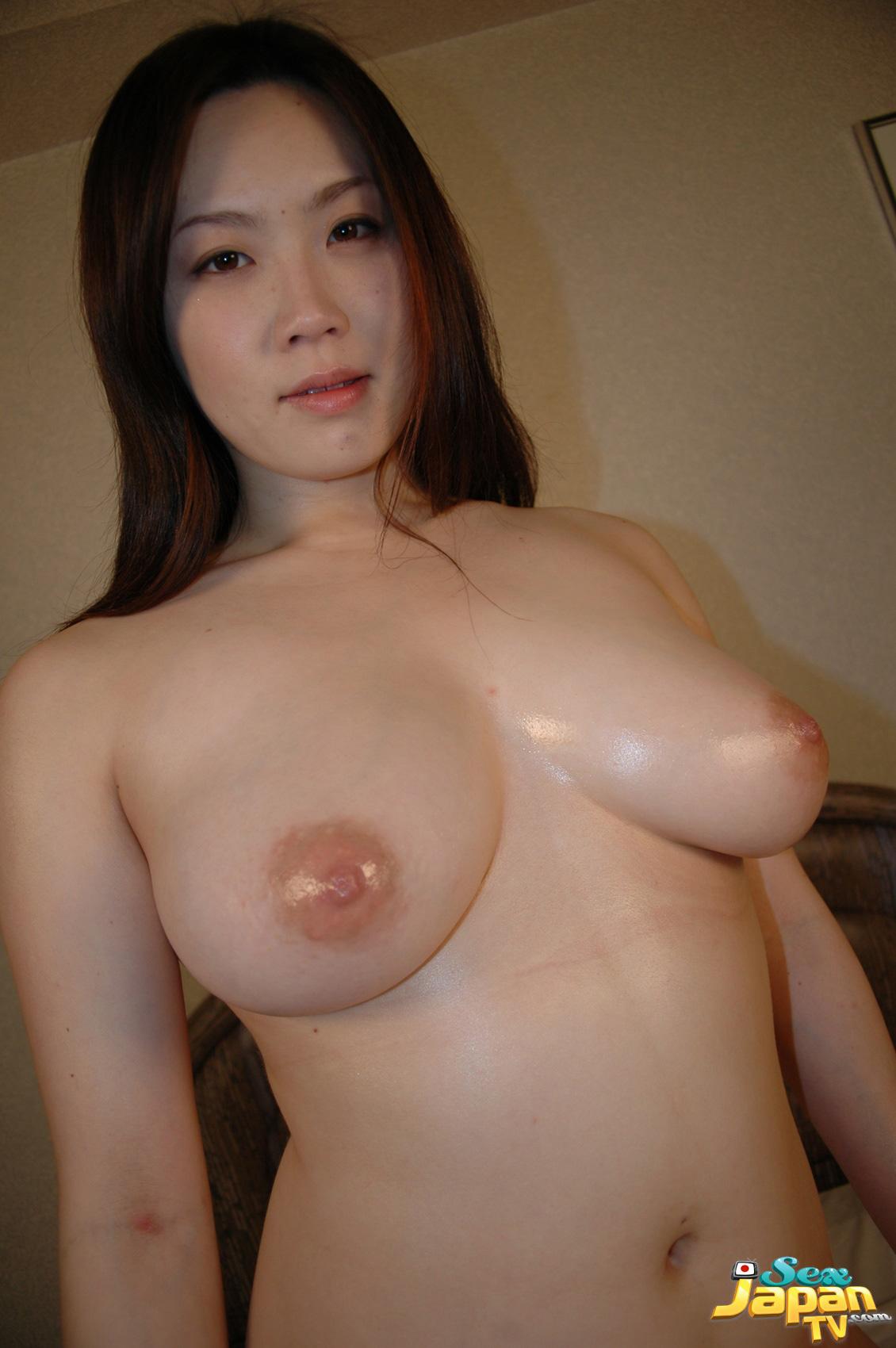 girl-with-huge-tits-hardcored