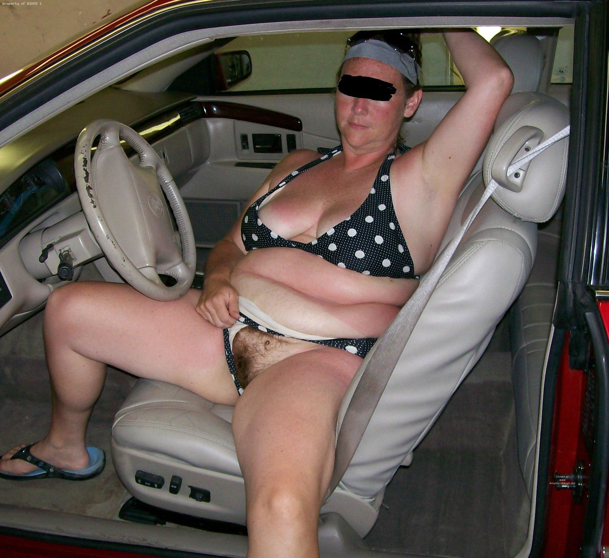 mature wives flashing naked in a cars